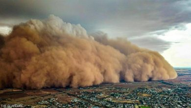 Photo of بعد الحرائق والأمطار: عاصفة ترابية عملاقة تضرب أستراليا