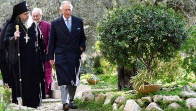 Photo of الأمير تشارلز يزور قبر جدته في القدس