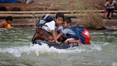 Photo of أخطر الطرق التي يسلكها الطلاب إلى مدارسهم في العالم