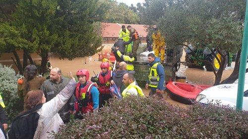 Photo of حوادث عديدة في اعقاب الامطار الغزيرة والسيول في منطقة الجنوب