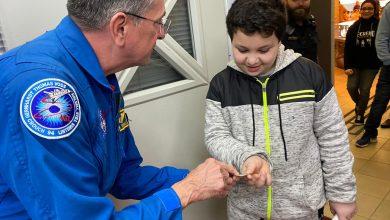 Photo of رائد الفضاء الامريكي دونالد توماس في تبوح بايس بالطيبة