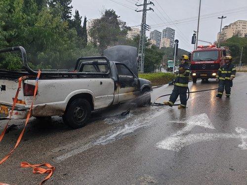 Photo of طواقم الاطفاء: اخماد حريق شبّ بسيارة في مدينة حيفا
