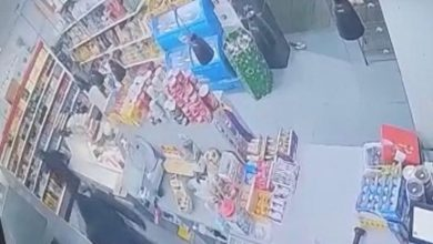 Photo of سطو وطعن شاب في متجر بمدينة الطيرة