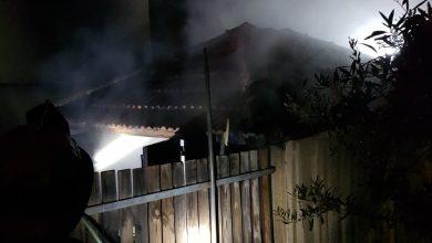 Photo of اخماد حريق شب داخل مخزن بالقرب من منزل في بلدة جت بالمثلث
