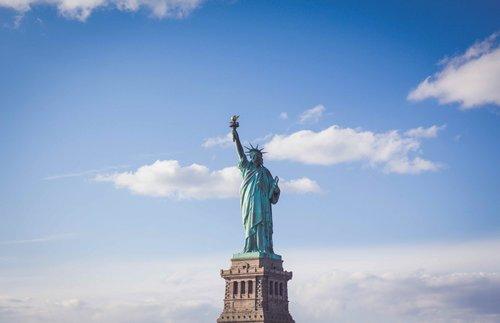 Photo of حظر دخول أميركا يعود: دولتان جديدتان على القائمة