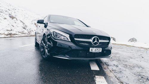 Photo of مرسيدس تتربع على عرش مبيعات السيارات الفاخرة عالمياً