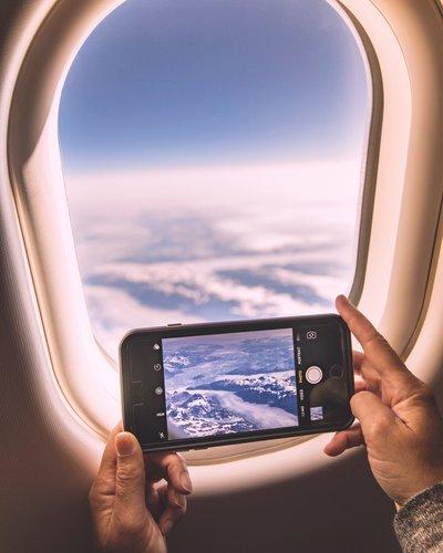Photo of وضع الطيران يجنبك الفواتير الباهظة عند السفر جواً أو بحراً