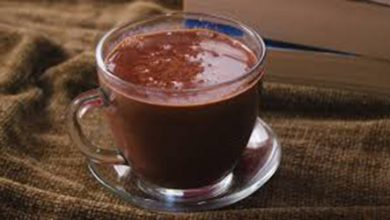 Photo of شرب الشوكولاتة الساخنة يوميا يعزز قدرة المشي لدى كبار السن