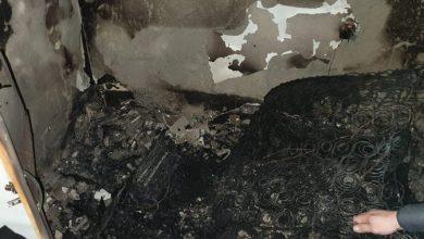 Photo of تخليص عالق بحالة خطيرة جرّاء حريق بشقة سكنية في اللد