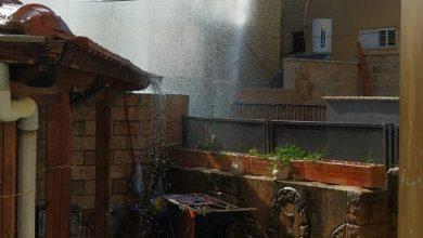Photo of بالفيديو : انفجار أنبوب مياه بالقرب من مسجد عمر ابن الخطاب