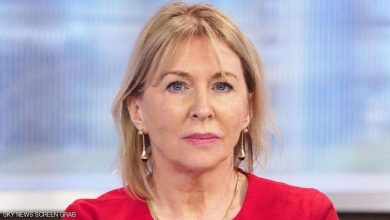Photo of إصابة وزيرة الصحة البريطانية بفيروس كورونا