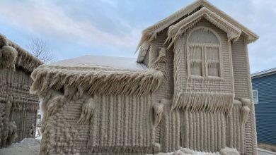 "Photo of بعد العاصفة الثلجية: منازل ""متجمدة ومرعبة"" في نيويورك"