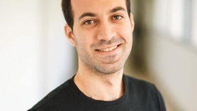 Photo of الدكتور محمد جبارة من الطيبة يفوز بالجائزة العالمية من قبل الاتحاد الدولي للكيمياء