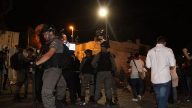 Photo of الشرطة تعتدي على المصلين قرب باب الأسباط في القدس