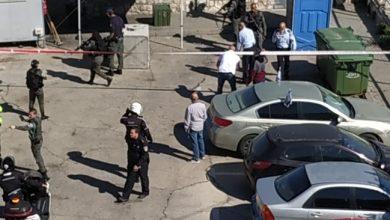 """Photo of الشرطة تطلق النار على شاب بشبهة محاولة تنفيذ عملية """"طعن"""" في القدس"""