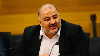 Photo of النائب منصور عباس: هل تقوم شركة الكهرباء بقطع الكهرباء فقط عن البلدات العربية؟