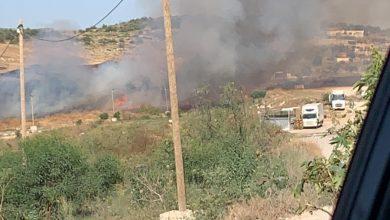 Photo of نشوب حريق بالقرب من المسار الشمالي في مدينة الطيبة