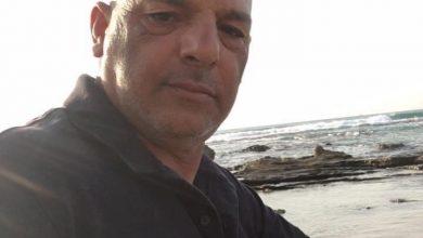 Photo of البروفيسور الدكتور ايمن عبيد يعزي ال منصور بفقيدهم