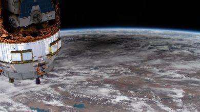 """Photo of من الفضاء هذه المرة: """"لقطات مبهرة"""" للكسوف الشمسي"""