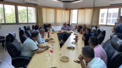 Photo of النوّاب أسامة السعدي وسندس صالح في زيارة لبلدية الطيرة