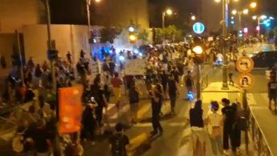 Photo of آلاف الإسرائيليين يحتجون مطالبين نتنياهو بالاستقالة