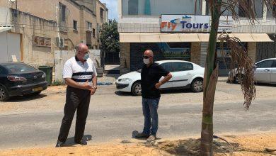 Photo of رئيس بلدية الطيبة يتفقد أعمال التطوير والبستنة في المدينة