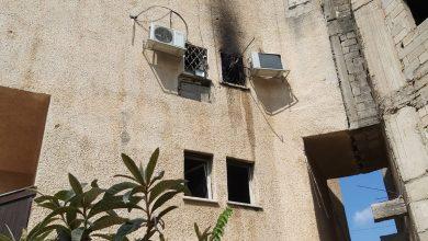 صورة اندلاع حريق داخل مبنى في مدينة الطيرة