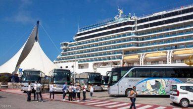 """صورة """"كورونا"""" يقتحم سفينة سياحية في اليونان"""