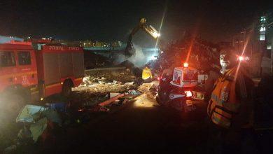 صورة حريق في احدى مجمعات الخردة في مدينة الطيبة